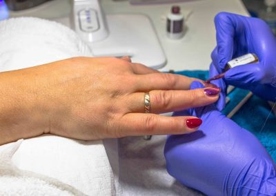Zabieg kosmetyczny paznokci